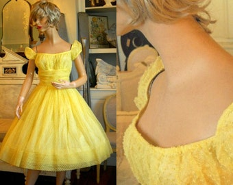 1950s Yellow Dotted Swiss Party Dress - Shelf Bust - Full Skirt XS