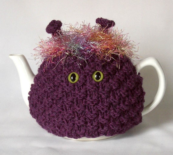 RESERVED - CozyKin tea cosy - A cute and friendly sweater for your teapot