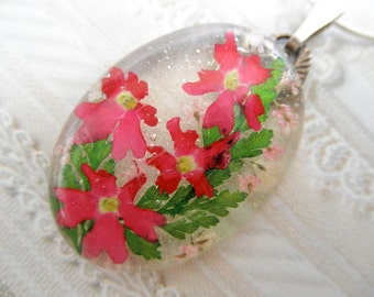 Hot Pink Verbena, Queen Anne's Lace Pressed Flower Oval Resin Pendant-Nature's Wearable Art-Symbolizes Enchantment, Peace-Gifts Under 30