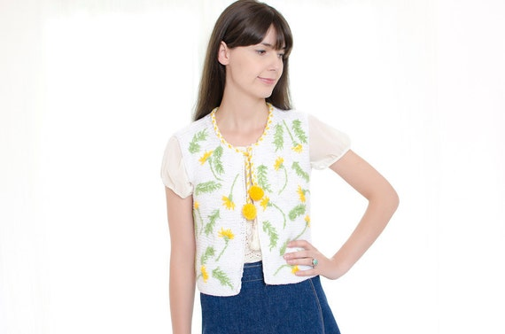 Vintage 1970s Vest with Pom Poms - 70s White Knit Vest with Yellow Flowers - S