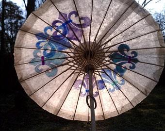 Parasol Ivory Parasol with Fleur de Lis