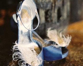 Ivory Beige Peacock & Pearl Shoe Clips. Wedding Shoe Clips, Bridal Shoe Clips, Feather Shoe Clips, Women Shoe Clips, Rhinestone Shoe Clips