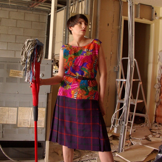 vintage kilt in royal purple and red - 0511003