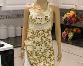 FULL apron,  Retro  style ,Grapevine,with detachable dish towel