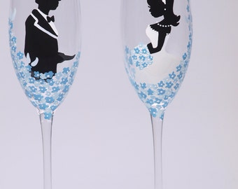 Hand painted Wedding Toasting Flutes Set of 2 Personalized Champagne glasses Groom and Bride with blue flowers