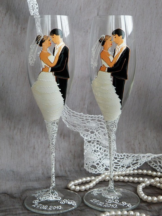 Hand painted Wedding Toasting Flutes Set of 2 Personalized Champagne glasses Wedding Valse