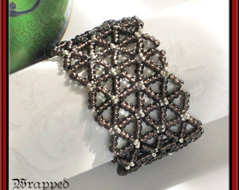 Renaissance Netted Cuff Bracelet / Beadweaving / Brown & Silver / Gothic / Elizabethan / Medieval / Ren Faire / Game of Thrones / Druid