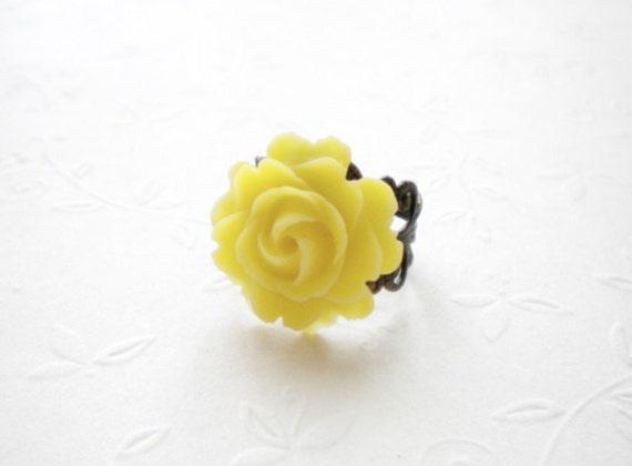 Yellow Flower Ring Yellow Statement Ring Adjustable Flower Ring Flower Cabochon Ring Summer Yellow Jewelry Rose Yellow Ring