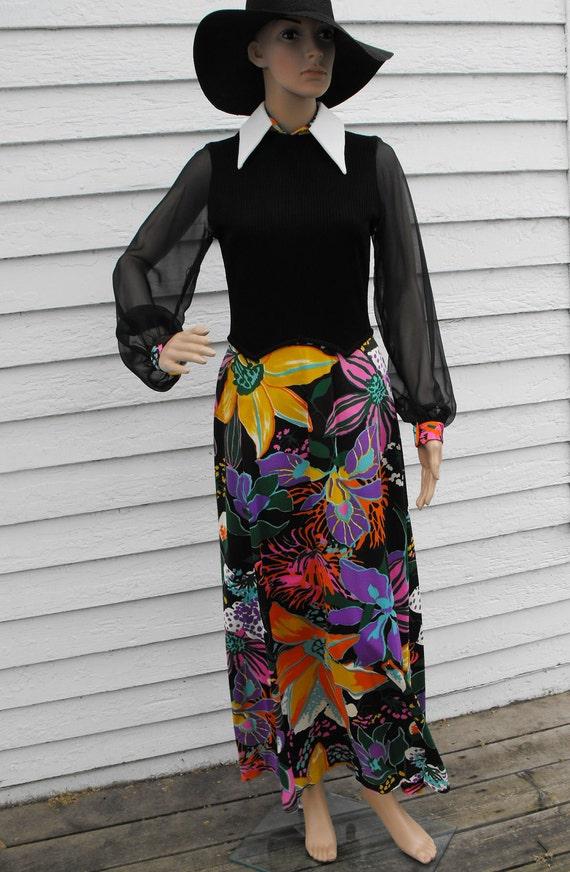 Vintage 70s Dress Floral Hippie Black Maxi Print S M