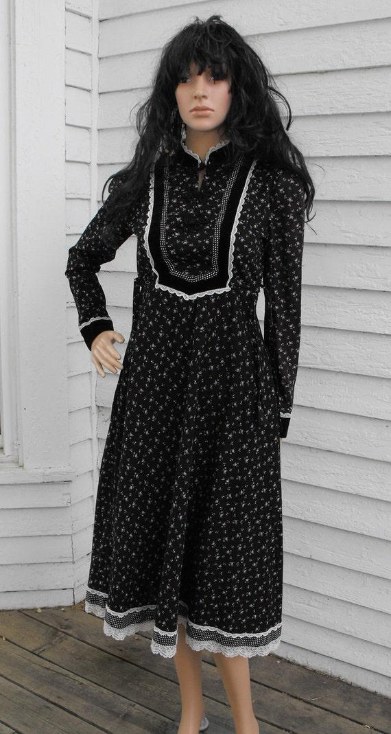 Vintage 70s Gunne Sax Dress Black Floral Print Prairie Velvet