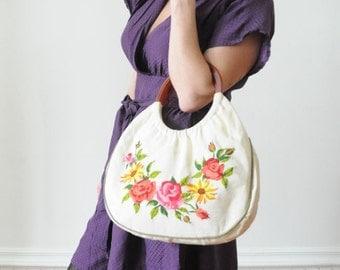 1960's Boho Purse EMBROIDERED FLORAL Clutch / Handbag / Tote / Luggage
