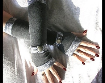 Gwendolyn's Grey Gauntlets Spat Style Arm Warmers - Heather Charcoal Gray - Paisley Wrist Strap & Vintage Silver Button - Lolita Gothic Boho