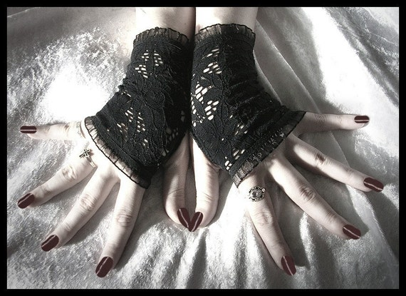 Round Midnight Lace Fingerless Gloves - Black Floral Fishnet - 80's Gothic Belly Dance Tribal Vampire Gypsy Lolita Wedding Emo Pagan Fusion