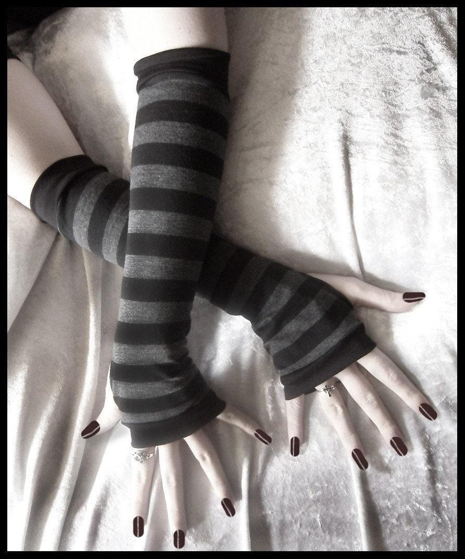 Dusk Grey: Dusk And Her Embrace Arm Warmers Dark Charcoal Grey & Black