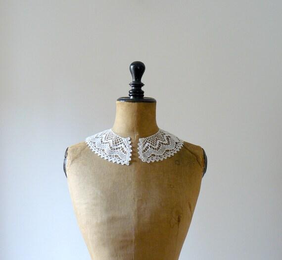 Vintage white collar. fine crochet lace collar dress. irish crochet collar