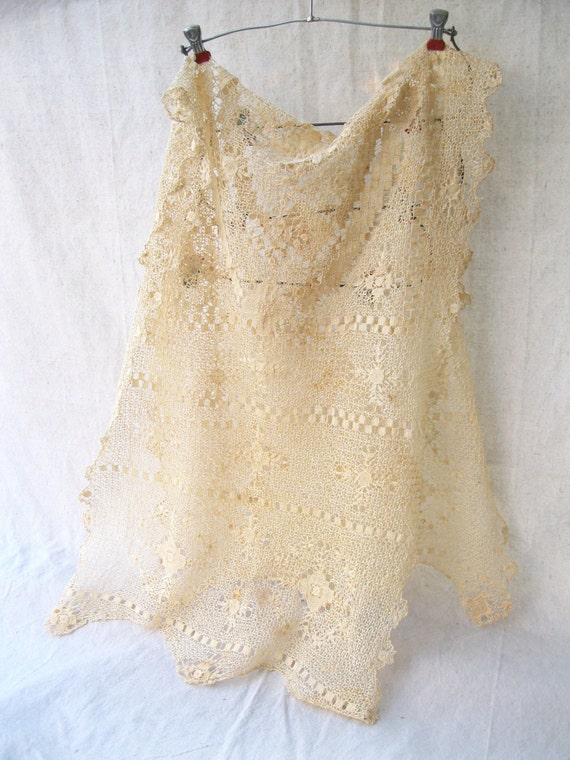 Vintage Table Lace Runner-Ecru-Antique-Hand Made Bobbin Lace from Tessiemay