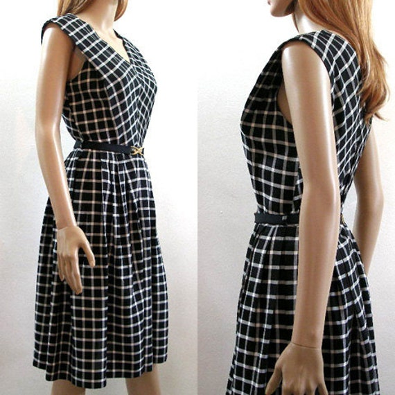Vintage 1950s Dress Black and White Plaid Sundress / Small