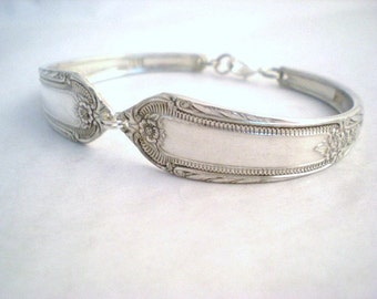 Spoon Bracelet, FREE ENGRAVING, Spoon Jewelry, Silverware Jewelry, Silverware Bracelet, Bridesmaid, Vintage wedding COTILLION 1937