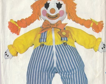 Vintage Sewing Pattern CLOWN Craft Learning Stuffed Dressed  Doll Toy Retro 1970's