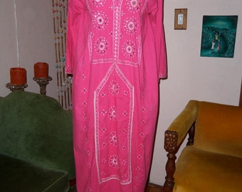 70s PINK MIRRORS--Boho Cotton Kaftan--Embroidered--Hot Pink--Tassel--Made in Pakistan