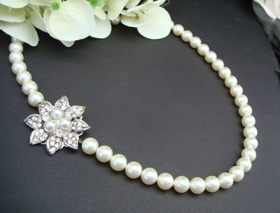 Pearl necklace,Bridal Pearl Necklace,Ivory Pearls,Flower Wedding Necklace,Bridal Rhinestone Necklace,Bridal Statement Necklace Pearl,HOPE