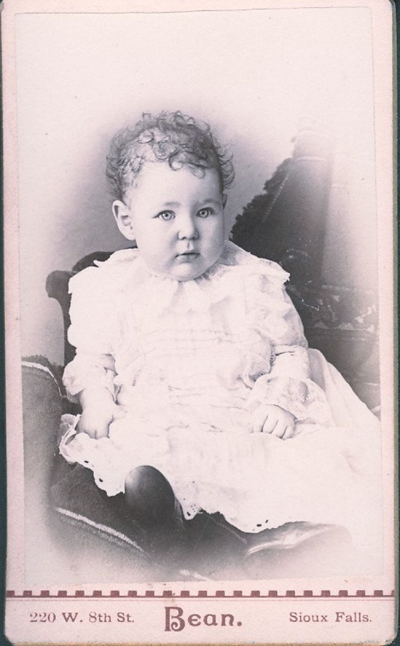 Little Girl In Tight CURLS in SPARSE HAIR With Bright Eyes cdv Photo Circa 1880 Sioux Falls South Dakota