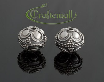 1 Sterling Silver Bead 11mm Round with Bali Ornament - bos011