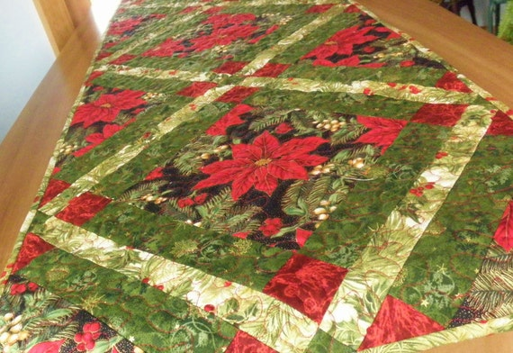 """Quilted Poinsettia Tablerunner """"Holiday Cheer"""" in Christmas Reds and Greens"""