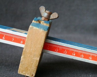 It is not the size that matters. Vintage fun tool. Prop setting display