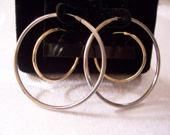 Endless Plain Hoops Pierced Stud Earrings Gold Silver Tone Vintage Two Pair Set Smooth Metal Finish