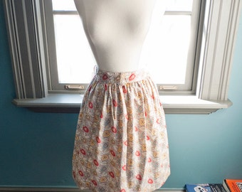 Coeur brisé... Vintage high-waist mini skirt, flowers and hearts