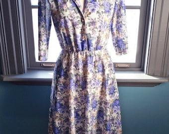 Vintage feminine GARDEN rose PRINT dress