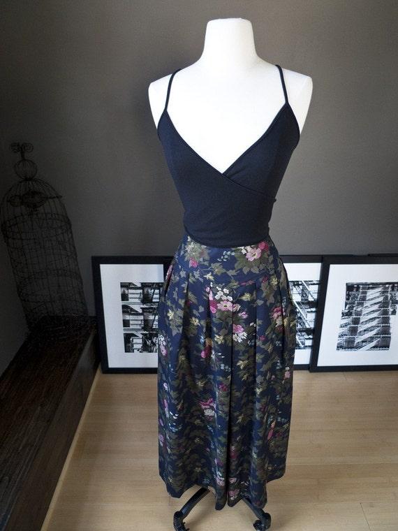 SALE, SALE... Hidden thoughts... Vintage floral print maxi skirt