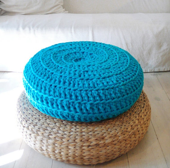 Floor cushion crochet giant knit for Floor knitting