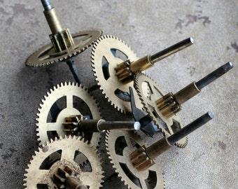 Vintage clock brass gears -- set of 6 -- D1