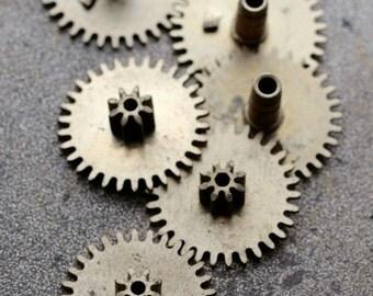 Vintage clock brass gears -- set of 6 -- D10