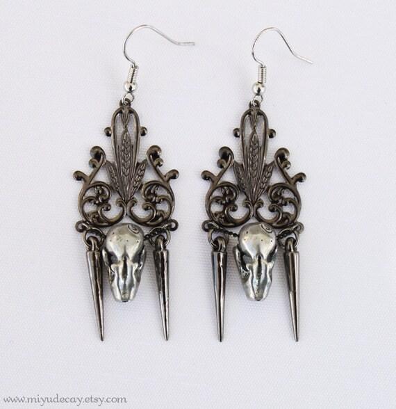 Miyu Decay Noir Filigree Spike Earrings