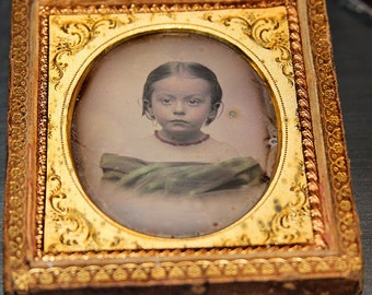 Beautiful 1/6 Dag in Hanging Wall Frame Artistic Crayon Portrait of Little Girl
