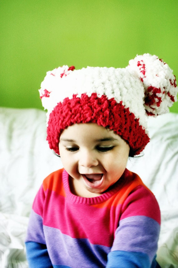 6 to 12m Pom Pom Hat, Baby Valentine Hat, Cream Red Pom Pom Beanie, Valentine Baby Hat, Pom Pom Beanie, Valentine Photo Prop Costume Gift