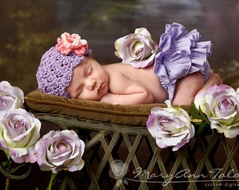Baby Girl Hat, 0 to 3 Months Baby Girl Hat, Crochet Baby Girl Flapper Hat, Lavender with Rose and Pink flower. Great for Photo Props.