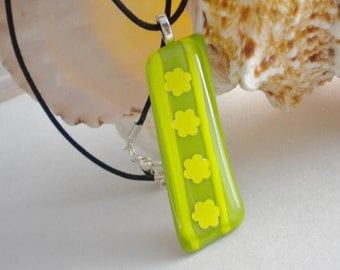 Fused Glass Daisy Chain Pendant Necklace Lime Green