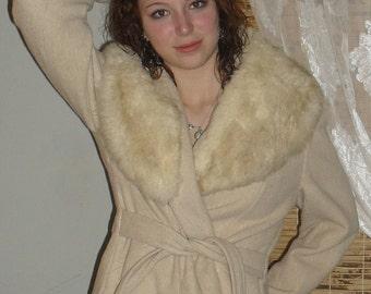 Vintage 50s  -Prime Source New York -Wool Dress Coat---Huge Real FUR LAPEL -- Wrap Tie