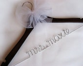 Personalized Bridal Hanger, Wedding Hanger with Tulle Bow Decoration - Wire Hanger, Wedding Name Hanger