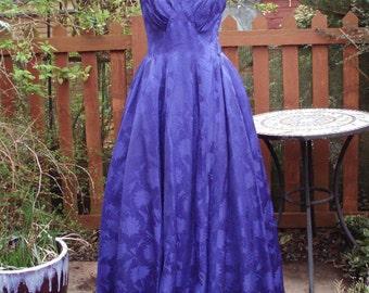 Original late 1940s // early 1950s purple damask strapless evening dress ballgown UK 10 US  6 8