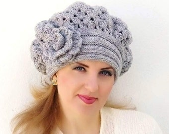 Crochet beret, warm hat, shunky, Light Grey, Gray flower. Knitted hat. Crocheted hat, beret. Womens Shunky Hat.