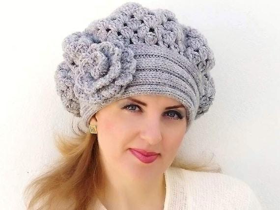 Crochet beret, warm hat, shunky, Light Grey, Gray flower. Knitted hat. Crocheted hat, beret. Womens Shunky Hat.