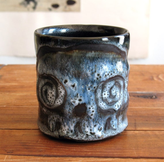 Skull Tumbler, Spiral Eyed Zombie Skull and Crossbones Cup