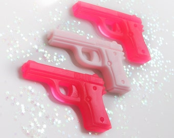 Gun Pistol Soaps -heartbreaker gun soap set - Pink Soap - Grapefruit scented - girlfriend soap