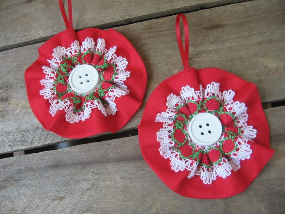 Country Christmas Ornaments, Tree Ornaments, Red & Green, Set of TWO, Holiday Decor, Retro Ornaments, Christmas, Lace Buttons SnowNoseCrafts