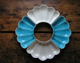 Vintage Set of Four Aqua Blue and White Serving Dishes - Hors D'oeuvres Plates - Mid Century California Pottery